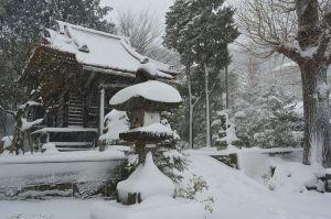 羽黒神社石灯籠